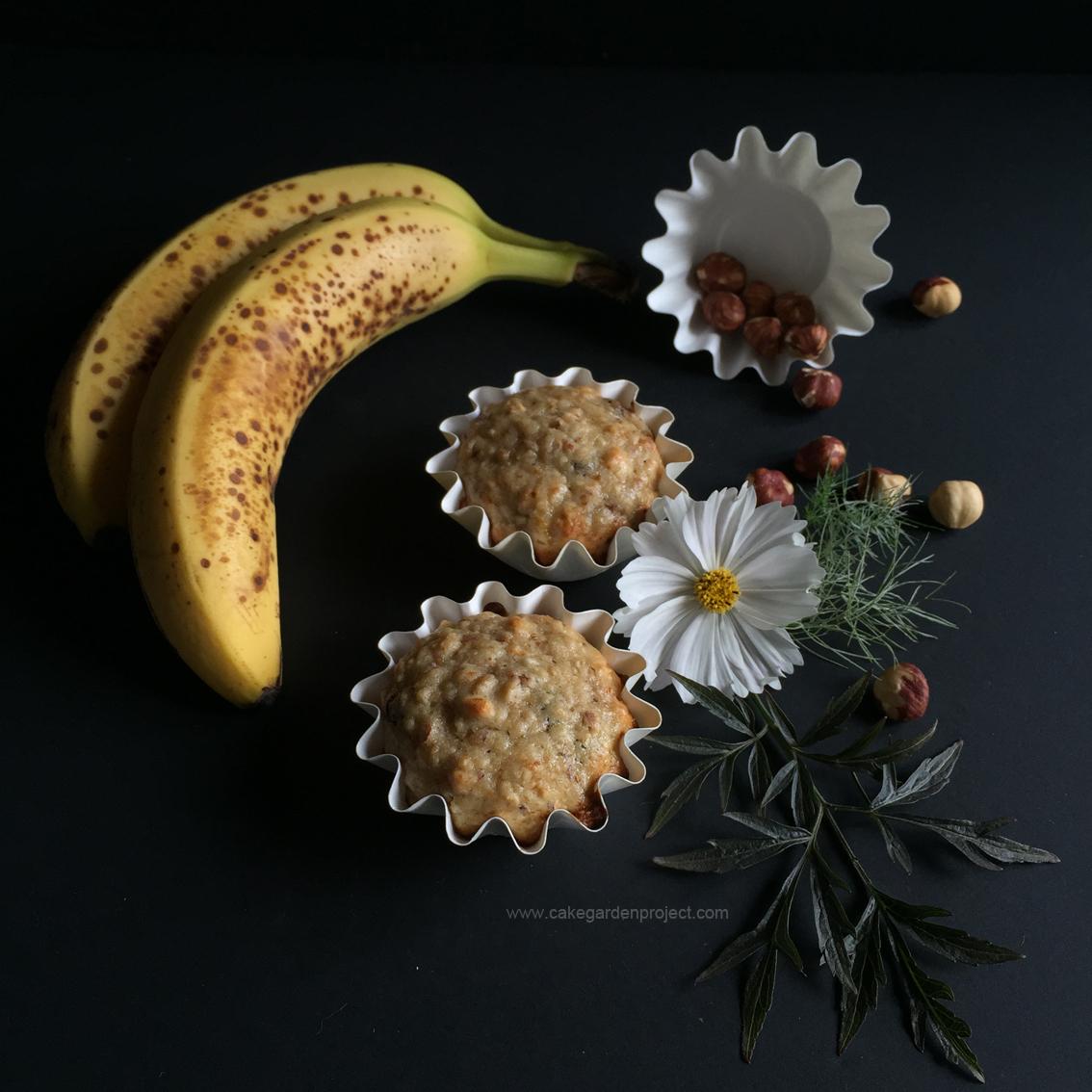 muffin alla banana nocciole e gocce di cioccolato
