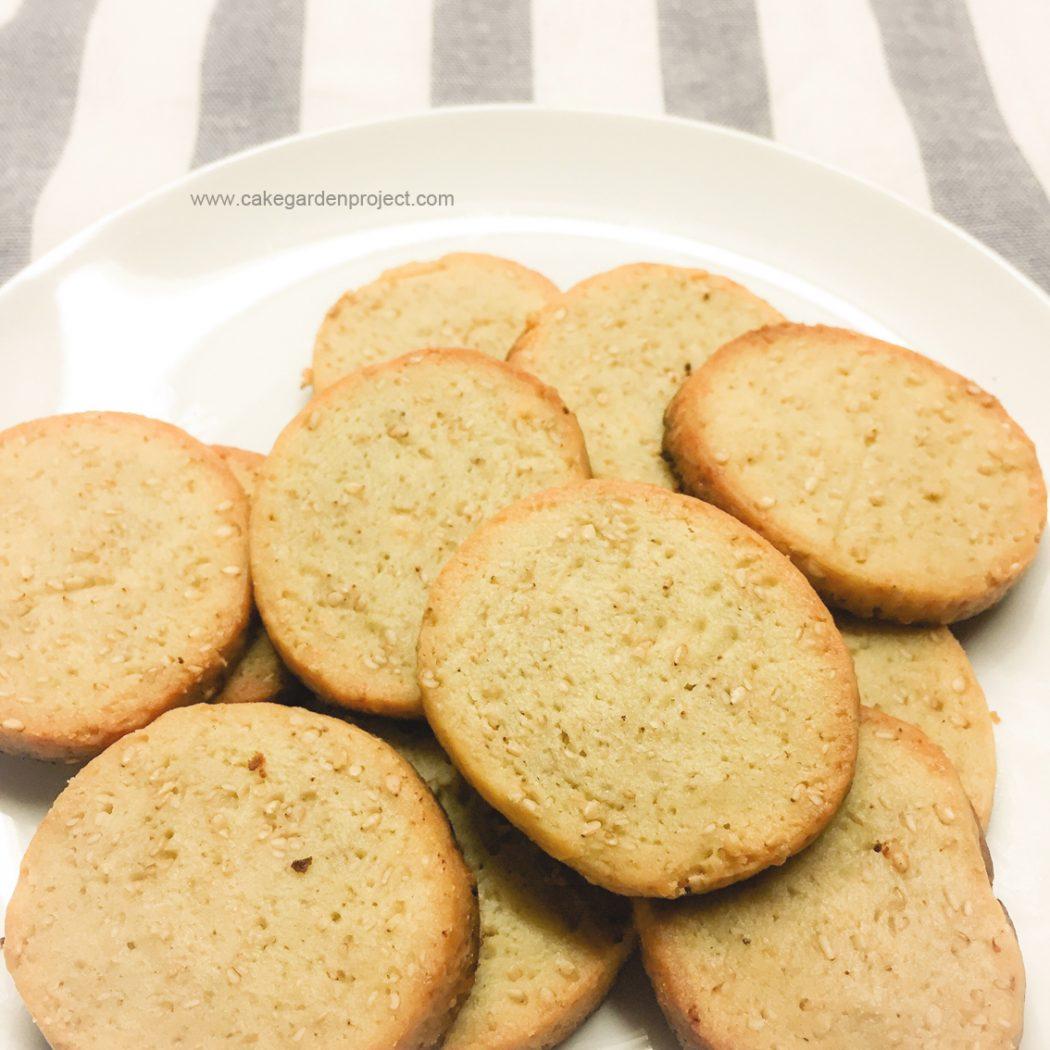biscottini salati alle acciughe e sesamo