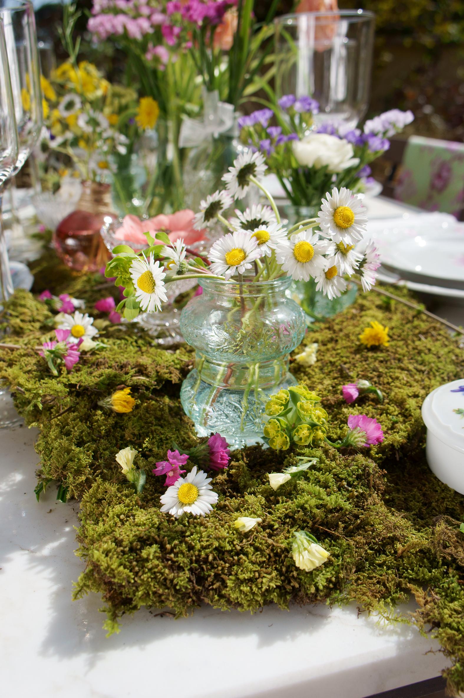 Un giardino per la tavola di primavera - Tavola di primavera idee ...
