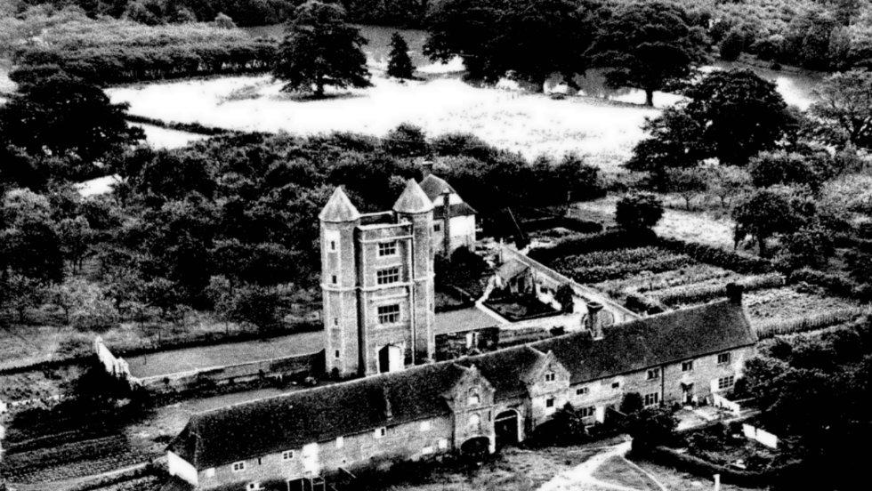 Sissinghurst-Castle-Garden