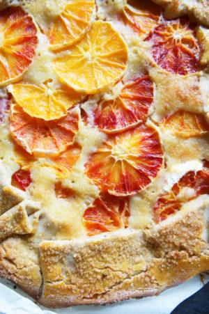 Tarte rustique all'arancia e crema di mandorle