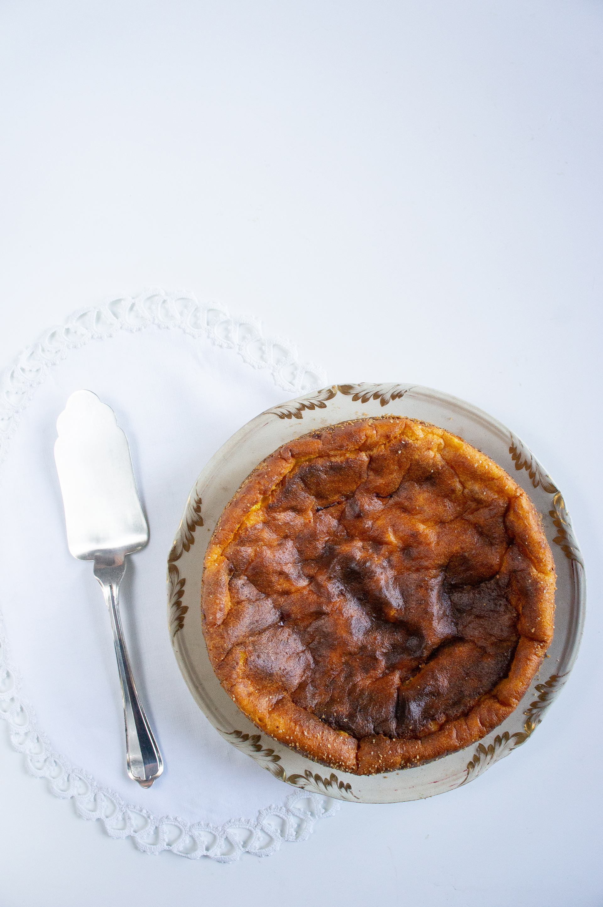 torta-al-semolino-con-albicocche