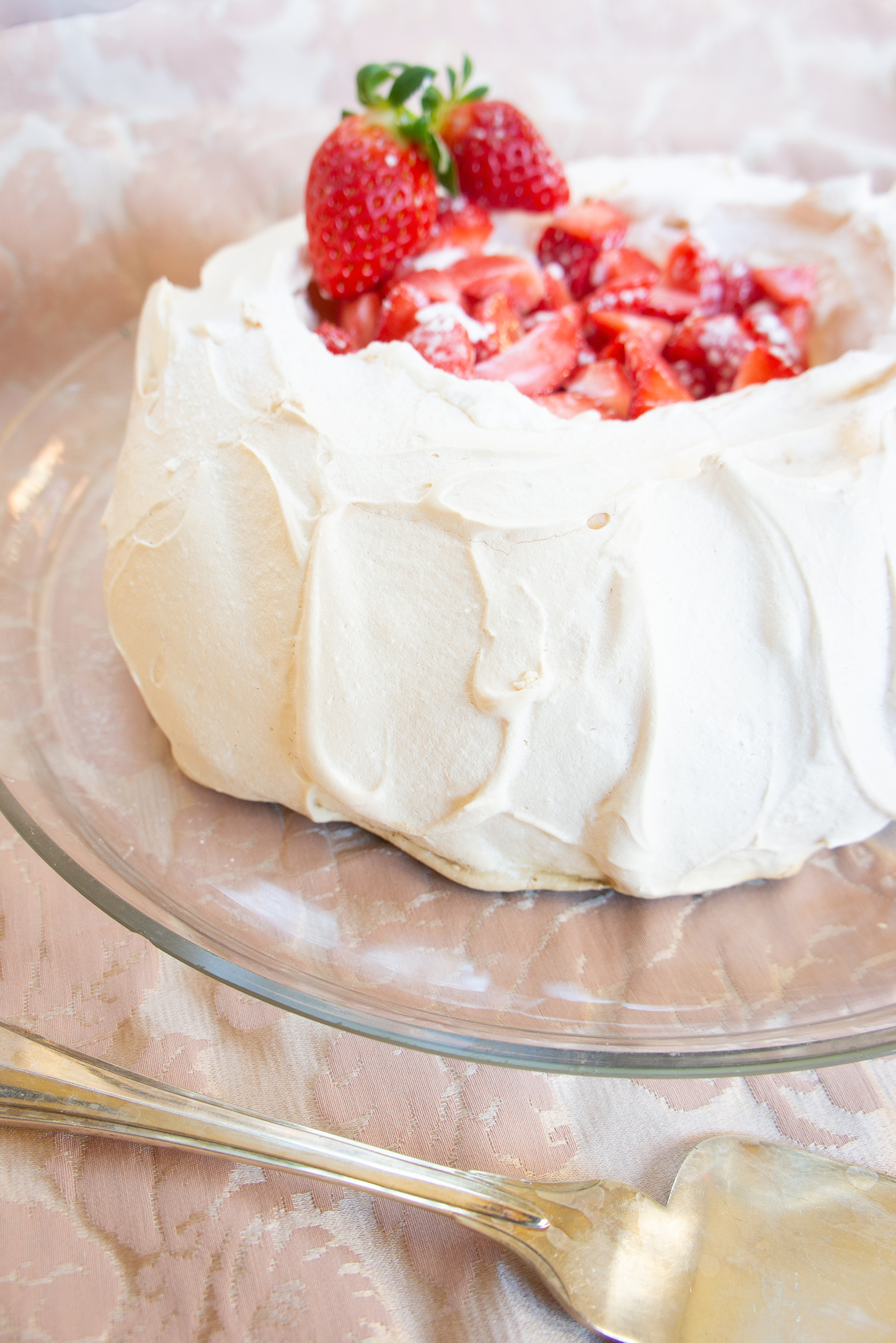pavlova-con-chantilly-e-fragole